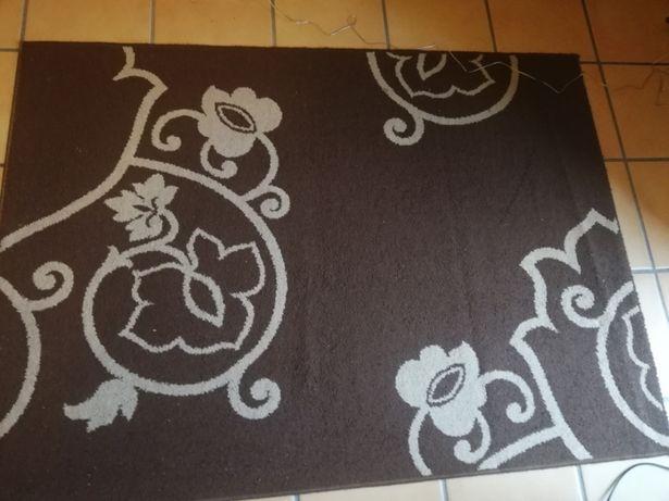 Carpete marrom