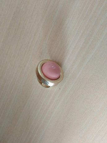 Duży pierścionek z oczkiem