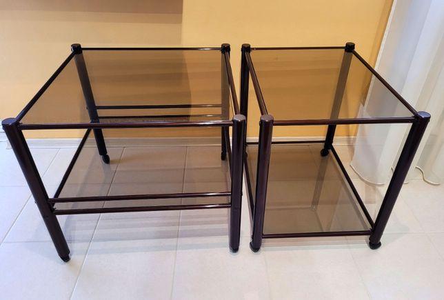 Szklane stoliki na kółkach