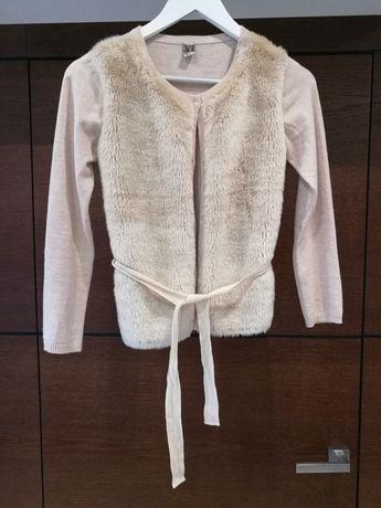 Kardigan, sweter rozpinany kolor beżowo-różowy, futerko