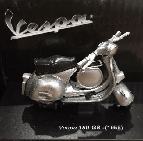 Модель мотороллера Vespa(Веспа),оригинал.