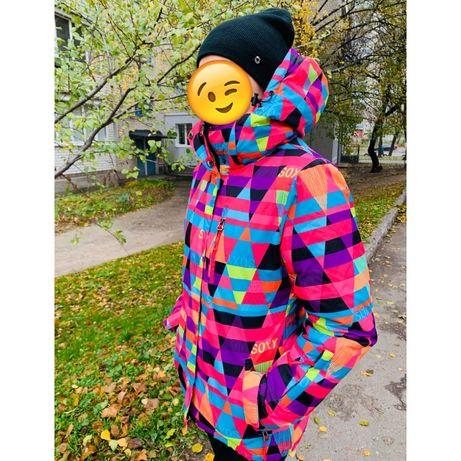 Зимняя спортивная лыжная курточка с термо-подкладкой