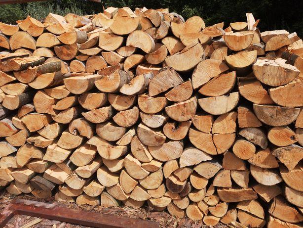 Drewno kominkowe opałowe układane na aucie możliwość pomiaru dąb buk k