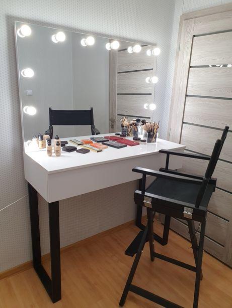 Toaletka z lustrem do makijażu, wizażu, make-up