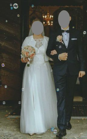 Suknia ślubna (rozmiar 38)