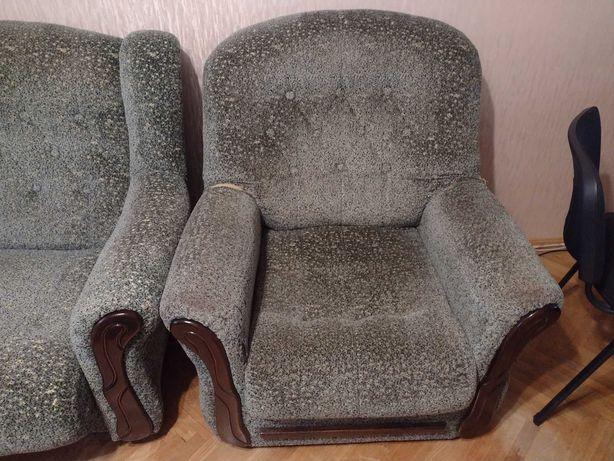 Продам диван і 2крісла