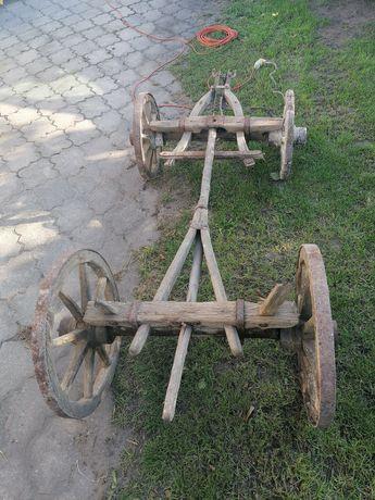 Wóz drewniany bardzo stary