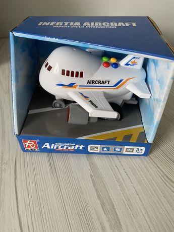 Самолет Новый
