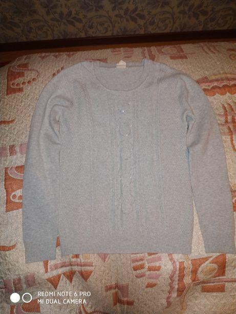 Продам свитер для девочки