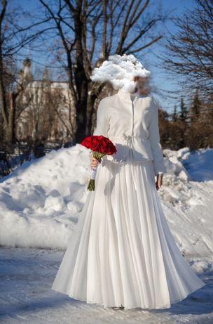 Свадебное платье с кашемировым полупальто