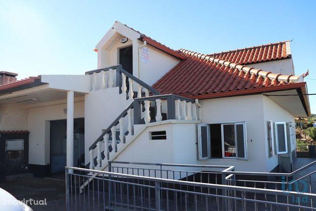 Moradia - 450 m² - T5