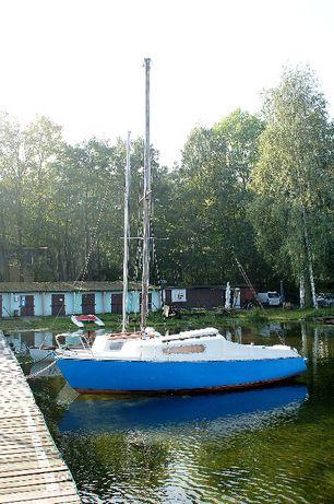 Jacht żaglowy Carina
