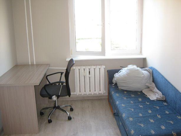 Pokój na wynnajem w mieszkaniu dwupokojowym