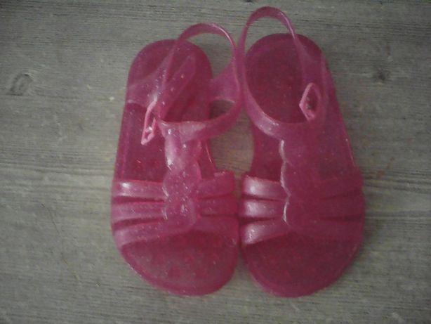 Продам резиновые сандали