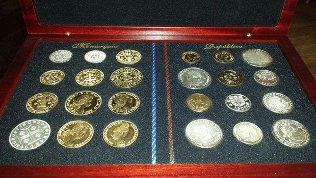 Coleção de 24 Medalhas - A moeda portuguesa do Morabitino ao Escudo