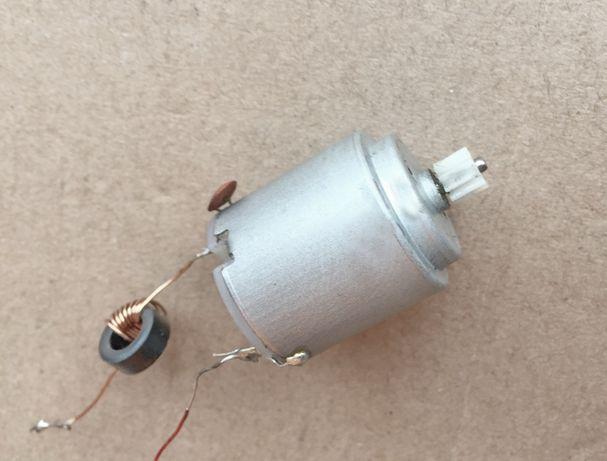 Круглый моторчик для игрушки на радиоуправлении (24 мм) 3V-6V