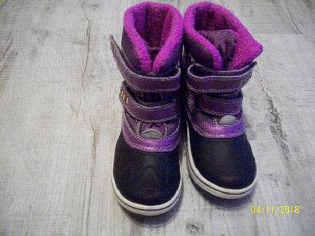 Дитячі чобітки.