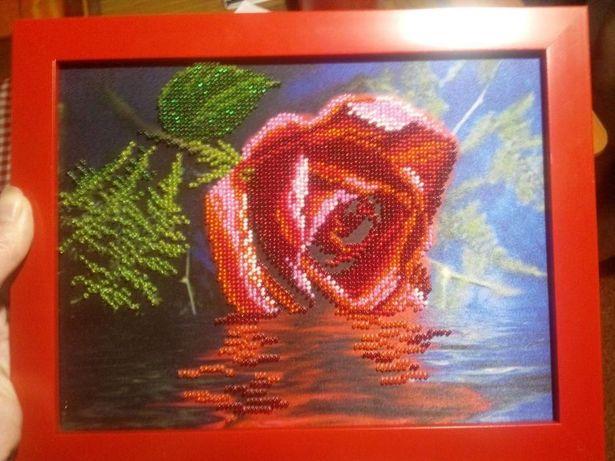 Картина. Роза. Бисером.
