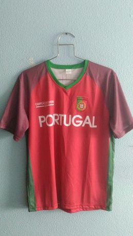 Camisola alusiva a seleção de Portugal de futebol
