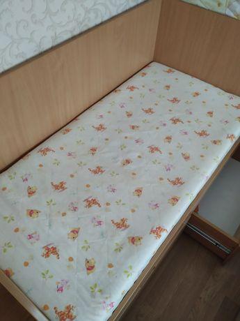 Детская кровать б/у в отличном состоянии
