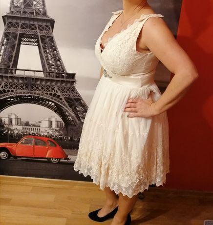 Piękna sukienka 44