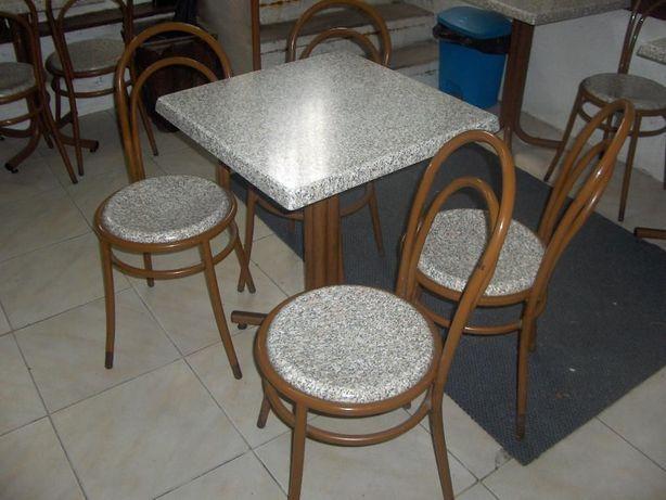 conjunto de mesa e cadeiras pra cafe