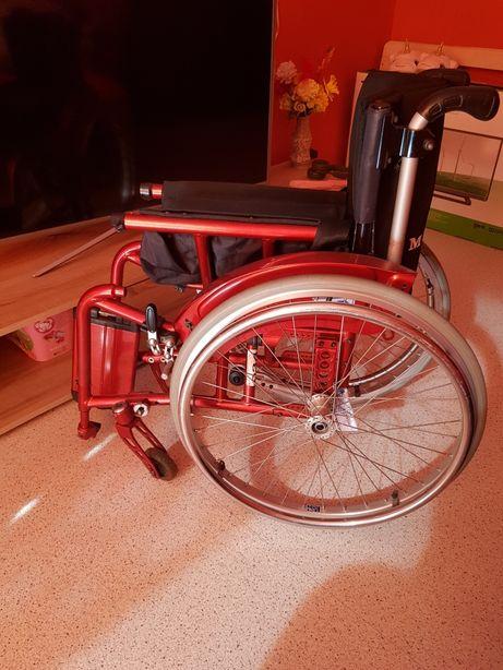 Wózek inwalidzki manualny dla dziecka