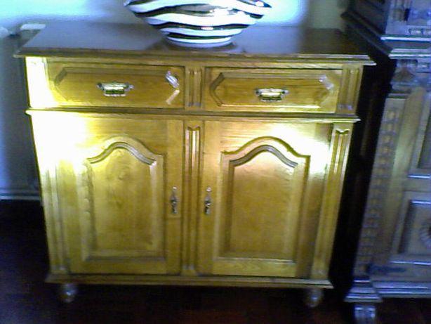 Móvel de sala ou corredor em madeira maciça