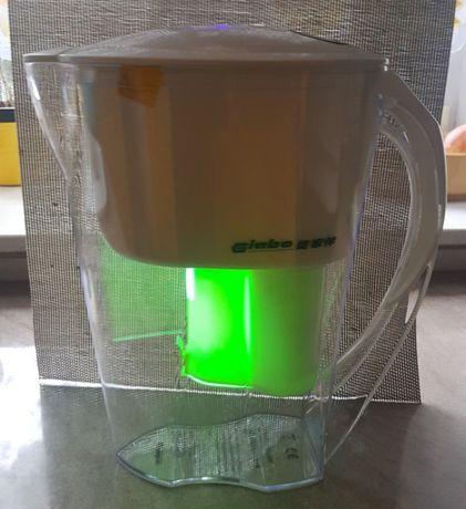 Filtr do wody z lampą bakteriobójczą UV.