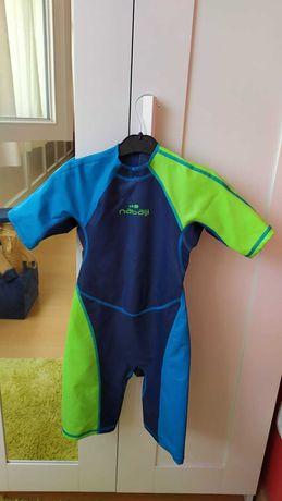 Vendo fato térmico para natação, tamanho criança (6 anos)