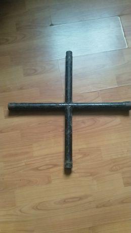 Klucz do kół krzyżakowy 19,22,24,27 BUS