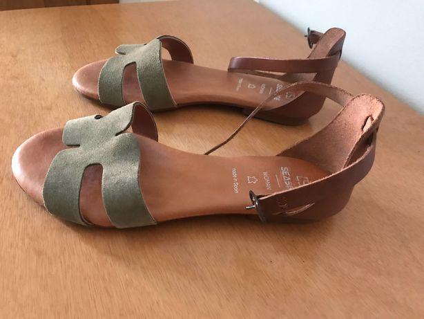 Sandálias rasas- tira em camurça - Novas
