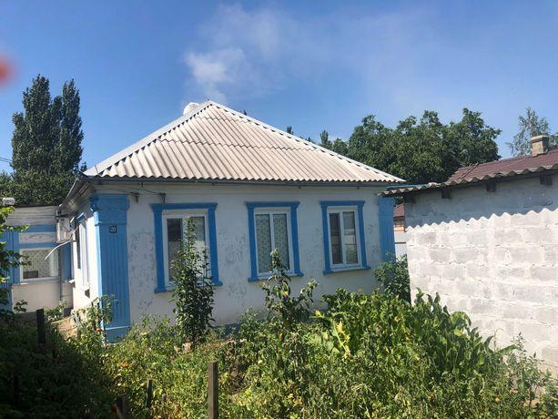 Продам дом в центре г.Курахово.
