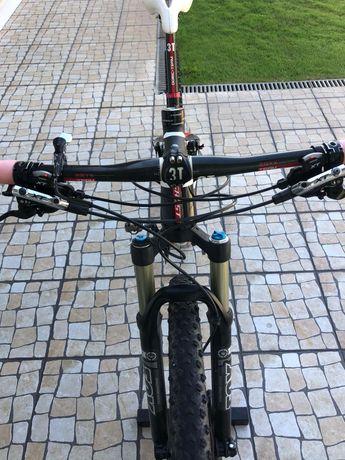 Bicicleta carbono 29