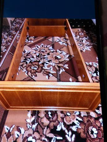 Кровать одинарная на металлической сетке