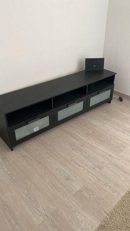 Aparador IKEA com gavetas