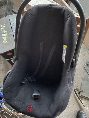 Автомобильное детское кресло автокресло