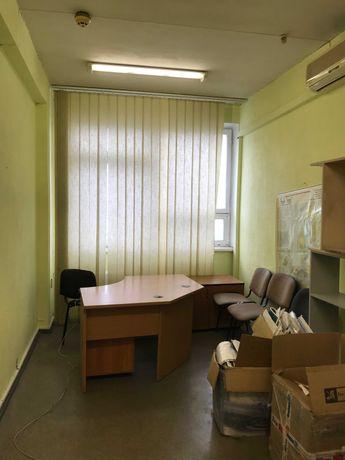 Сдам офис 13,1 м2, Левобережная, Сверстюка 19, в бизнес центре. Хозяин