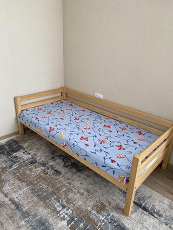 Кровать подростковая - натуральное дерево
