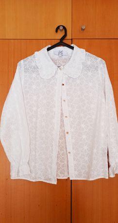 Camisa em bordado inglês. Tamanho S.