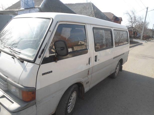 мазда е2200  1995 року дизель