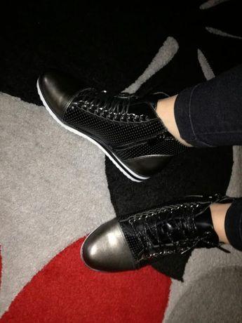 Buty botki sneakersy 37