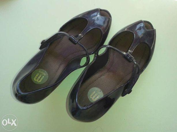 Sandálias de Cunha da Melissa