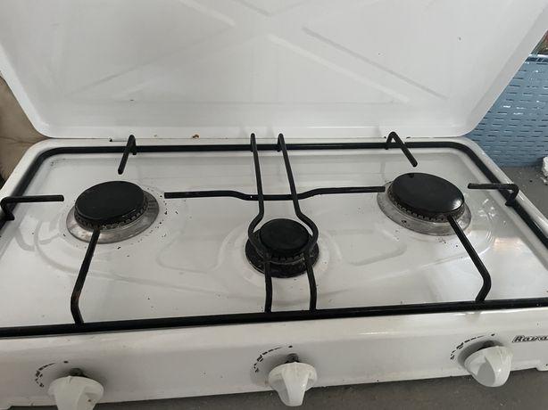 Kuchenka gazowa trzypalnikowa