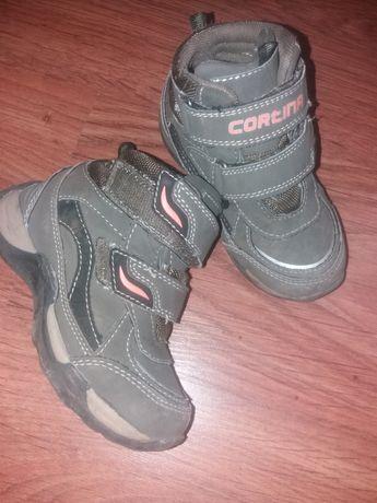 Хайтопы. Демисезонные ботинки. ботинки. стелька 17,0 см.