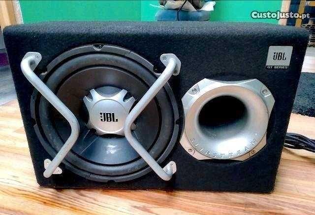 Amplificador e subwoofer auto JBL GT Series