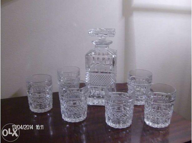 Garrafa de cristal da Boémia com 6 copos