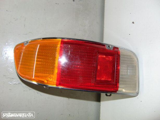 Toyota Corolla carrinha KE 36 - farolim de trás lado direito