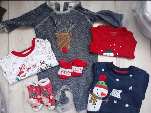 Świąteczne ubranka idealne na pierwsze święta Bożego Narodzenia 68-74