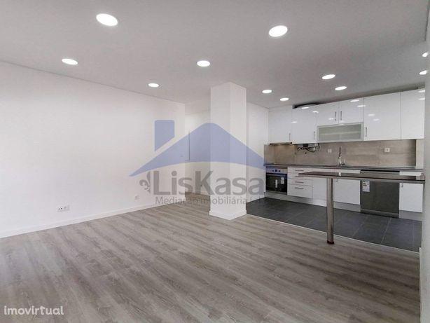 Apartamento T2 remodelado com 77m2 no Centro de Odivelas